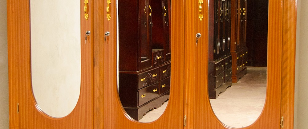 3-Doors Wardrobe