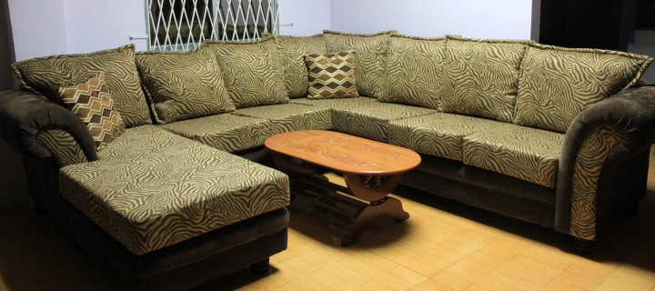 L shaped sofa with chaise